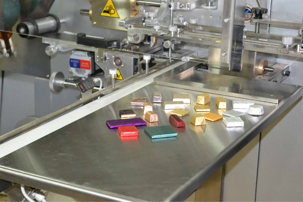 chocolate wrapping machine with samples